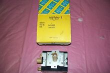VINTAGE 1950S FRIGIDAIRE STOVE SWITCH   5429803 YOU WONT FIND ANYWHERE ELSE   S