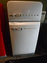 ANTIQUE PHILCO  VINTAGE 2 DOOR REFRIGERATOR NEW PAINT MANUAL DEFROST WHITE
