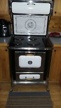 HEARTLAND STOVE RANGE 30  Model 8120