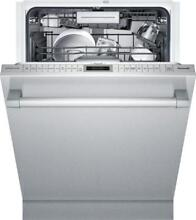 Thermador Star Sapphire Glow Series Fully Integrated Dishwasher DWHD860RFP 24 in
