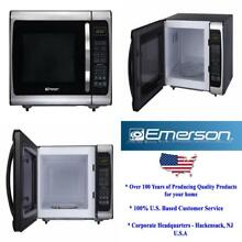 Emerson ER105005 0 9 Cu  Ft  900 Watt Countertop Microwave Top Quality Brand New