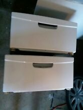 Samsung washer and dryer pedestals white