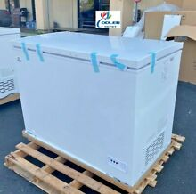 NEW 44  Solid Top Lock Chest Freezer Storage Cabinet NSF ETL Commercial XF 302