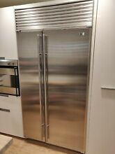 SUB ZERO 42  642 S BUILT IN STAINLESS STEEL REFRIGERATOR w TUBULAR HANDLES