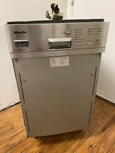 Miele 18  G 832 SC Touchtronic Slimline Built In Dishwasher   needs repair