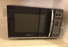 Emerson 1 2 Cu Ft 1100 Watt Microwave Oven with Grill Feature