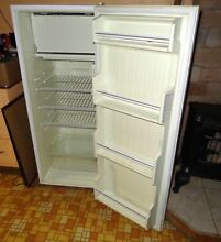 Small Kenmore Refrigerator   Model 564 61912400