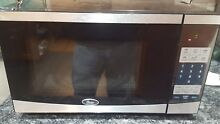 Oster Compact Microwave Digital Controls Space Efficiency Heating Power OGY701