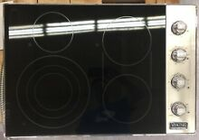 OC0044 VEC5304BSB 30  Viking Smoothtop Electric Cooktop w  4 QuickCook Surface