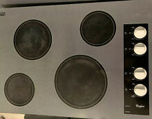 Whirlpool   30  Built In Electric Cooktop   Black With White
