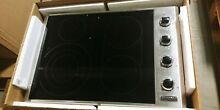 Viking 30  Cooktop with QuickCookSurface Elements VECU53014BSB  mm0017