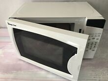 Magic Chef Mcm770W  7 Cubic Feet 700 Watt Microwave With Digital Touch  White