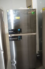 Samsung RT18M6215SG 29  Black Stainless Top Freezer Refrigerator NOB  24563 HL