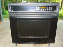 REDUCED Perfect set up Two GE 30  electric TruTemp wall ovens  self clean  Black