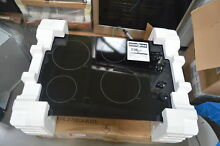 GE JP3030DJBB 30  Black Electric Smoothtop Cooktop NOB  27841 HL