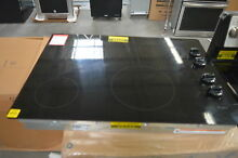 Whirlpool W5CE3024XB 30  Black Smoothtop Electric Cooktop NOB  28056 HL
