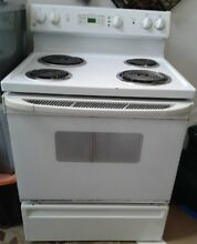 White GE electric stove Works