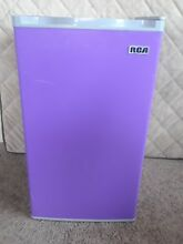 RCA RFR321 FR320 8 IGLOO Mini Refrigerator  3 2 Cu Ft Fridge  Purple