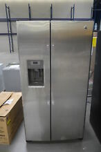 GE GSS25GSHSS 36  Stainless Side by Side Refrigerator NOB  25429 CLW