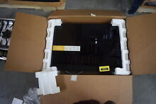 Whirlpool WCE55US0HB 30  Black Electric Cooktop NOB  33343 HRT