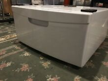 Samsung White Pedestal WE357A7W XAA for Washer WITH HARDWARE