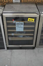 Avanti WCR506SS 24  Stainless Under Counter Wine Chiller NOB  35854 HRT
