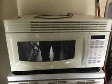 Over stove microwave Golstar 1000w White gently used