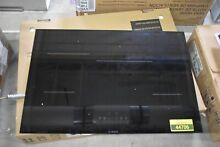 Bosch NIT8068UC 30  Black 800 Series Induction Cooktop NOB  44706 MAD