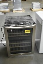 Insignia NSWB44SS8 24  Black Stainless 115 Can Beverage Cooler NOB 35765 CLN