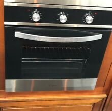 Empava 24  Single Wall Oven Black Silver  BRAND NEW  JUST SHOWING AS DISPLAY