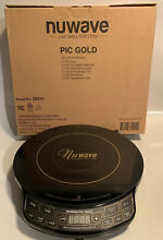 NuWave PIC Gold Precision Induction Cooktop 30201 BR   Black 1500 Watts Used