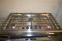 Bosch NGM5655UC 36  Stainless Gas Cooktop w 5 Sealed Burners NOB  6364