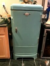 1937 FRIGIDAIRE WORKING REFRIGERATOR WITH FREEZER BOX   HARD TO FIND