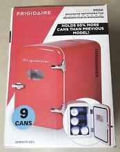 NEW Frigidaire Retro XL 9 Can Mini Fridge Refrigerator EFMIS175 Christmas RED
