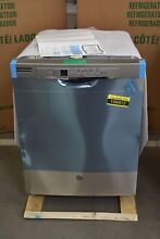 GE GDF530PSMSS 24  Stainless Full Console Dishwasher NOB  106912