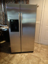 LOCAL PICK UP ONLY GE Refrigerator Side by Side 25 4 Stainless Steel GSS25TSRB