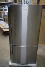 Fisher Paykel E522BRX5 32  Stainless Bottom Freezer Refrigerator NOB  18206 MAD