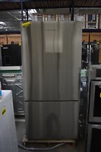 Fisher Paykel RF170BLPX6N 31  Stainless CD BottomFreezer Refrigerator  39081 CLW