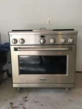 Monogram 36  All Gas Professional Range with 4 Burners and Griddle  Natural Gas