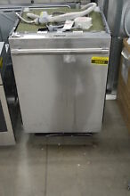 Thermador DWHD860RFP 24  Stainless Fully Integrated Dishwasher NOB  36652 HRT