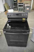GE JB655FKDS 30  Black Freestanding Electric Range NOB  37621 HRT