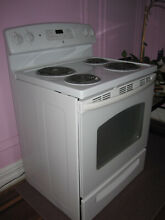 GE 30  Free Standing Electric Range Coil Type Self Cleaning   JBP35DM2WW New