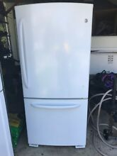 GE Fridge 20 3 Cu  Ft  Bottom Freezer Refrigerator   Mint condition   Used