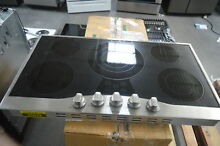Viking RVEC3365BSB 36  Stainless Electric Cooktop 5 Burner NOB  25629 HL