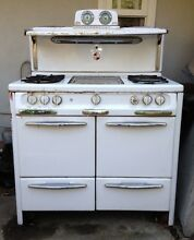 1950 s Rheem Wedgewood Antique Gas Range
