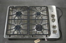 GE JGP333SETSS 30  Stainless Built In Gas Cooktop NOB  28479 HL