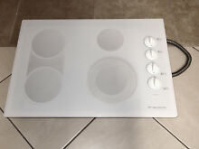 FRIGIDAIRE GALLERY MODEL GLEC30S8ASC 30  CERAMIC GLASS ELECTRIC COOKTOP WHITE