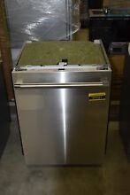 Thermador DWHD640JFP 24  Stainless Fully Integrated Dishwasher NOB  37121 HRT
