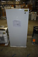 GE FUF14DLRWW 29  14 1 cu  FT  White Upright Freezer NOB  37979 MAD