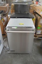 Viking VDW302SS 24  Stainless Fully Integrated Dishwasher NOB  28228 HL